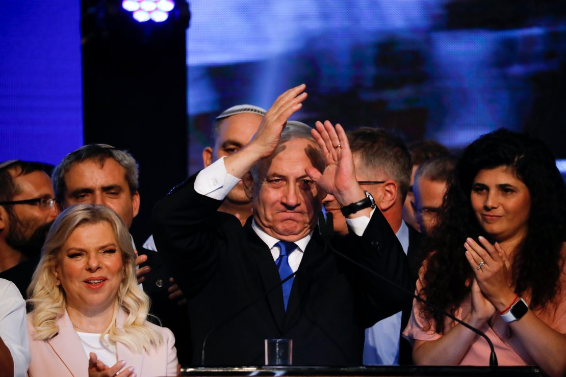 Netanyahu tocado, pero no hundido