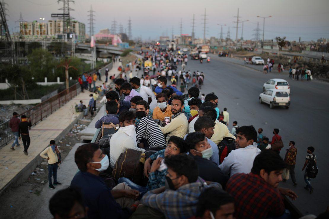 La India: una cuarentena para huir