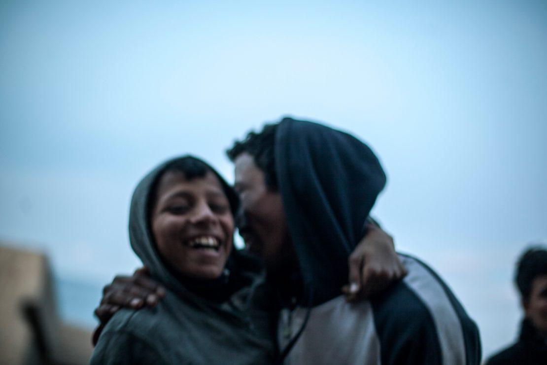 'Solos y migrados' gana el Premio Montserrat Roig de Periodismo Social
