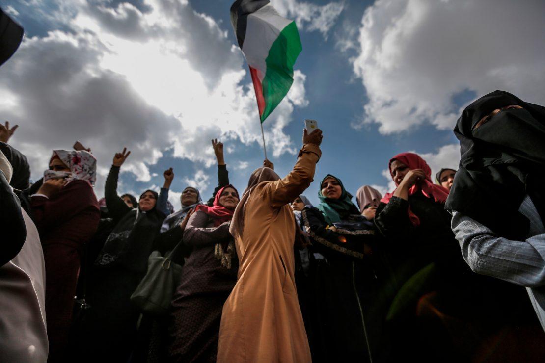 Una protesta en el punto de mira de Israel y Hamás