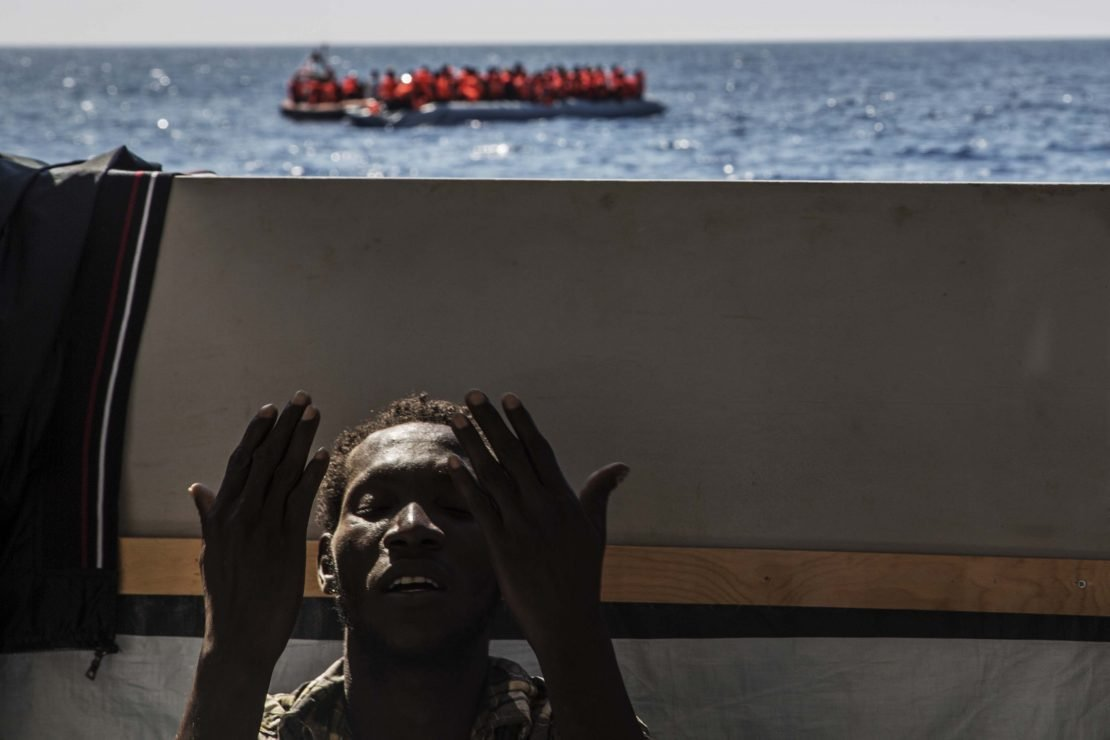 Los refugiados, un tema central en la edición en papel de 5W