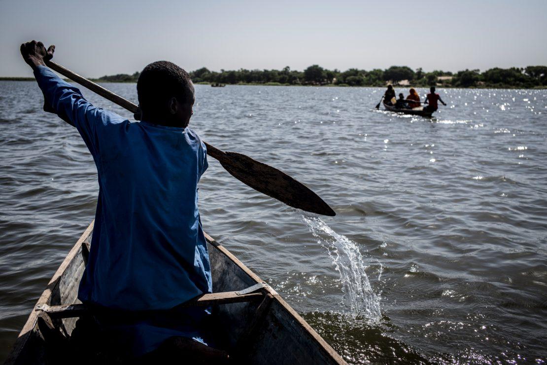 'La tribu maldita del lago', premio Revbela de Comunicación